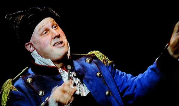 Thénardier (Matt Lucas)