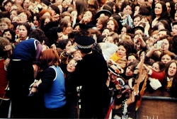 David Cassidy with frenzied fans (photo by Henry Diltz)