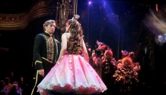 Masquerade Raoul (Hadley Fraser) & Christine (Sierra Bogess)